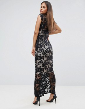 photo Lace Panelled Maxi Dress by Little Mistress Tall, color Black - Image 2