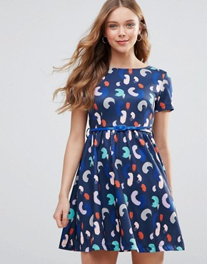 photo Belted Skater Dress in Brush Stroke Print by Yumi, color Navy - Image 1