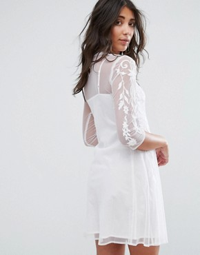 photo Midi Lace Dress with High Neck by Girls on Film, color Off White - Image 2