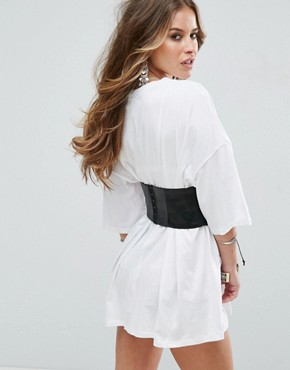 photo Oversized Corset Detail T-Shirt Dress by Glamorous Petite, color White - Image 2
