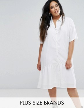 photo Oversized Dress with Short Sleeve and Peplum Hem by Daisy Street Plus, color White - Image 1