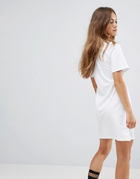 photo Oversized T-Shirt Dress with Bra Top by Urban Bliss Petite, color White - Image 2