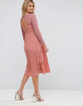 photo Crochet Bodice Midi Dress with Pleated Skirt by Little Mistress Maternity, color Pink - Image 2