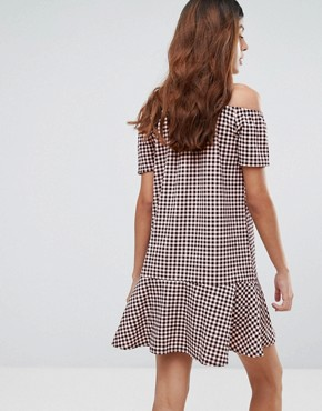 photo Gingham Dress with Cold Shoulder and Ruffle Hem by Daisy Street, color Pink/Black - Image 2