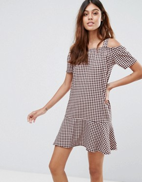 photo Gingham Dress with Cold Shoulder and Ruffle Hem by Daisy Street, color Pink/Black - Image 1