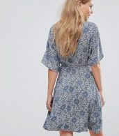photo Fluted Sleeve Skater Dress by Glamorous, color Cream/Navy - Image 2