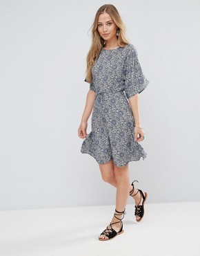 photo Fluted Sleeve Skater Dress by Glamorous, color Cream/Navy - Image 4