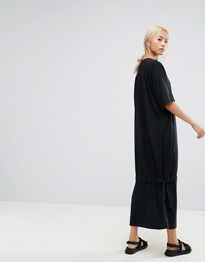 photo Maxi T-Shirt Dress with Drop Hem by House of Sunny, color Black - Image 2