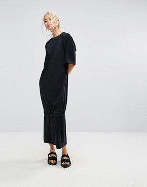 photo Maxi T-Shirt Dress with Drop Hem by House of Sunny, color Black - Image 1