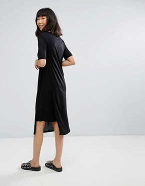 photo Asymmetric T-Shirt Dress by Moss Copenhagen, color Black - Image 2