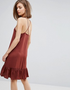 photo Frill Hem Cami Dress by Moss Copenhagen, color Burgundy - Image 2