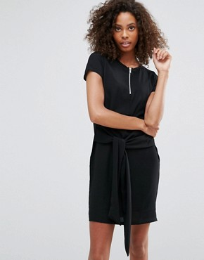 photo T-Shirt Dress with Tie Waist by Daisy Street, color Black - Image 1