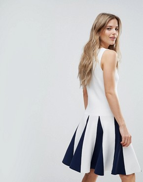photo Sleeveless Dress with Ruffle Detail by The English Factory, color White Navy - Image 2