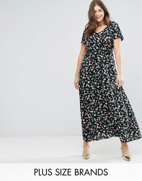 photo Maxi Dress in Small Floral Print by Yumi Plus, color Black - Image 1
