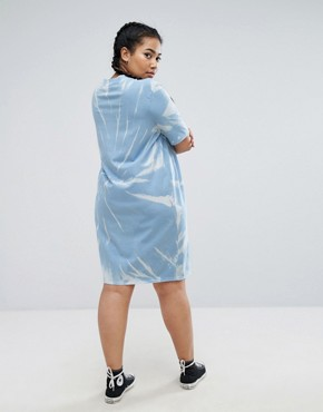 photo Tie Dye T-shirt Dress by Daisy Street Plus, color Blue - Image 2