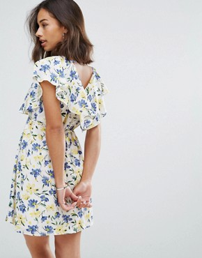 photo Cape Dress in Floral Print by Yumi Petite, color White - Image 2