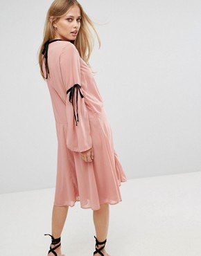 photo Tie Sleeve Skater Dress by Vero Moda, color Pink - Image 2