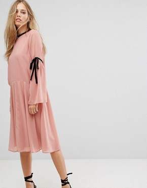 photo Tie Sleeve Skater Dress by Vero Moda, color Pink - Image 1