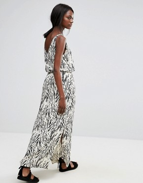 photo Printed Maxi Dress by Selected, color Black - Image 2