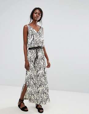 photo Printed Maxi Dress by Selected, color Black - Image 1