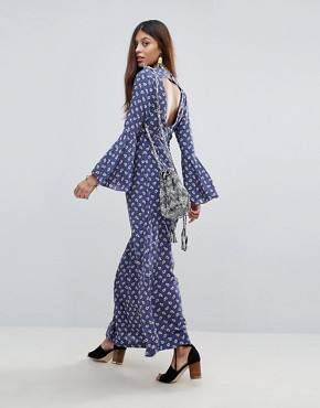 photo Tansey Paisley Maxi Dress by Valley Of The Dolls, color Blue - Image 2