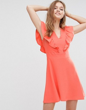 photo Frill Front Dress by Liquorish, color Coral - Image 1