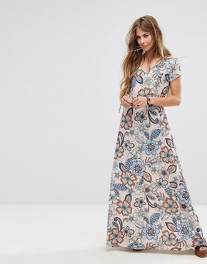 photo Maxi Dress in Large Floral Print by Liquorish, color Pink - Image 1