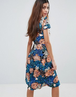 photo Floral Cap Sleeve Low V-Back Flare Dress by Closet London, color Multi - Image 2