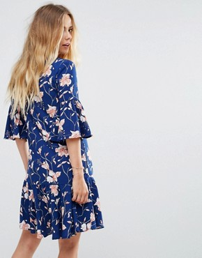 photo Floral Print Flute Sleeve Dress by Vila, color Blue - Image 2