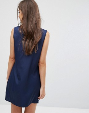 photo Sleeveless Shift Dress with Ribbon Tie Pleated Collar by Fashion Union, color Navy - Image 2