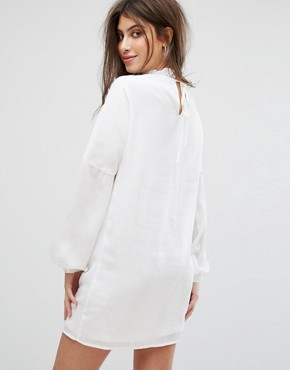 photo Long Sleeve Smock Dress with Ribbon Tie Gathers by Fashion Union, color White - Image 2