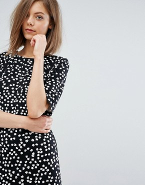 photo Ditsy Floral Shift Dress by Warehouse, color Black Pattern - Image 3