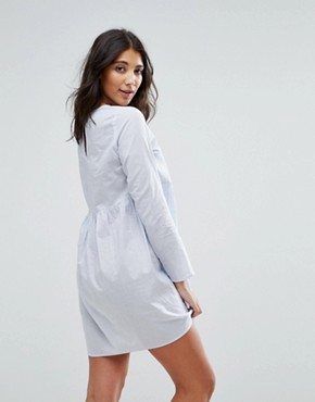 photo Embroidered Smock Dress by Influence, color Blue - Image 2