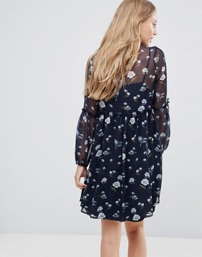 photo Floral Lace Up Smock Dress by Influence, color Navy Floral - Image 2