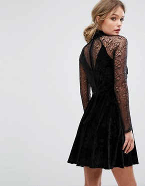 photo Mini Velvet Dress with High Neck and Sleeves in Lace by Three Floor, color Black - Image 2