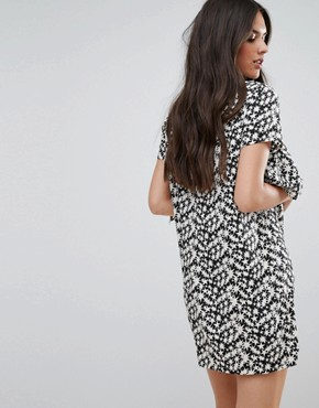 photo Star Print Shift Dress with Front Frill by Daisy Street, color Black/White - Image 2