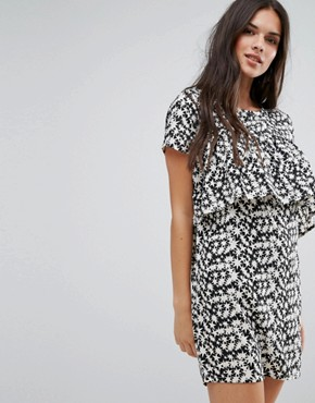photo Star Print Shift Dress with Front Frill by Daisy Street, color Black/White - Image 1