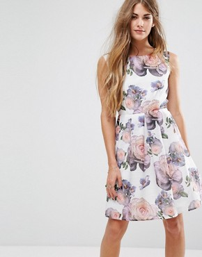 photo Wild Rose Skater Dress by Yumi, color White - Image 1
