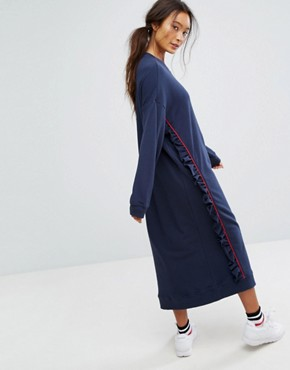 photo Ruffle Contrast Sweat Dress by Monki, color Navy - Image 2