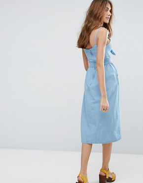 photo Bow Front Midi Dress by New Look, color Bleach - Image 2