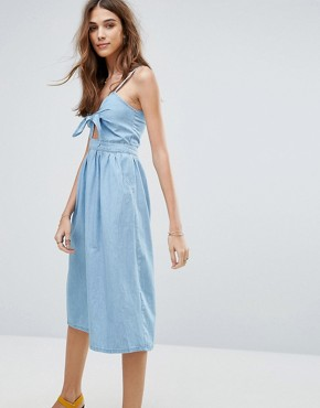 photo Bow Front Midi Dress by New Look, color Bleach - Image 1