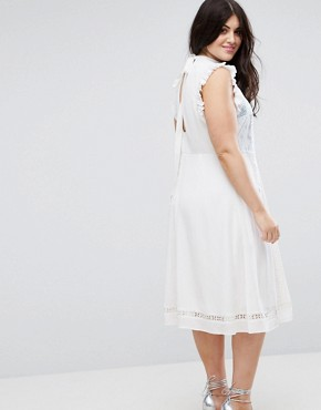 photo Sleeveless Embroidered Dress by ASOS CURVE PREMIUM, color Cream - Image 2