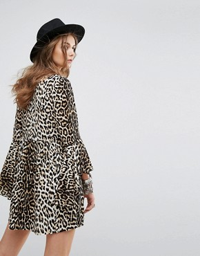 photo Smock Dress with Flared Sleeves in Leopard by Kiss The Sky, color Brown - Image 2