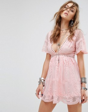 photo Lace Dress with Ladder Detail by Kiss The Sky, color Pink - Image 1