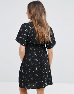 photo Wrap Floral Dress by New Look Maternity, color Black Pattern - Image 2