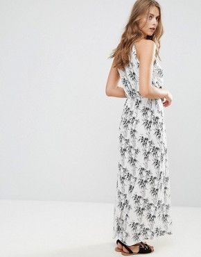 photo Printed Maxi Dress by Vila, color White Based Leaf Print - Image 2
