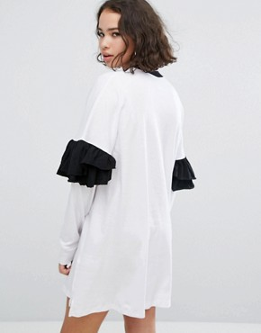 photo Heartagram Frill Sleeve Dress by The Ragged Priest, color White - Image 2