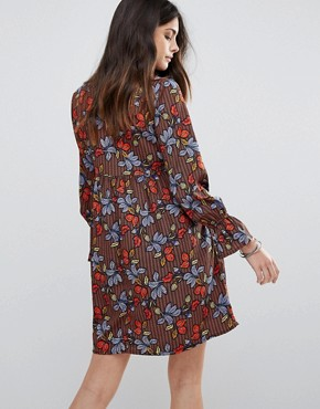 photo Lace Up Leaf Print Smock Dress by Influence, color Multi - Image 2