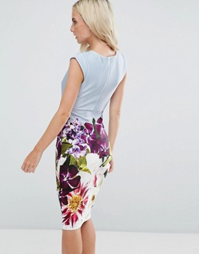 photo Pencil Midi Dress in Floral Placement Print by City Goddess Petite, color Blue - Image 2