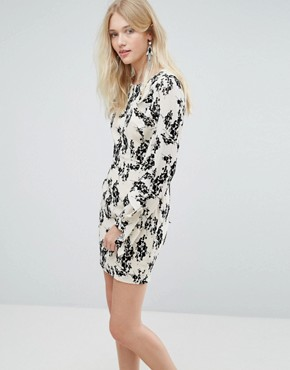 photo Dress with Flocked Floral Print and Ruffle Sleeves by Liquorish, color Cream/Black - Image 1